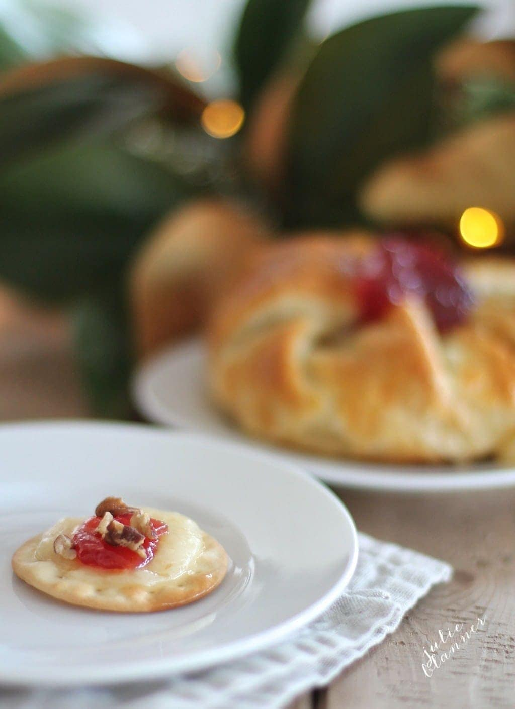 baked brie as thanksgiving menu items