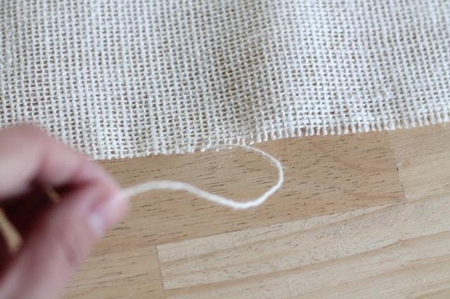 finger puling thread of burlap