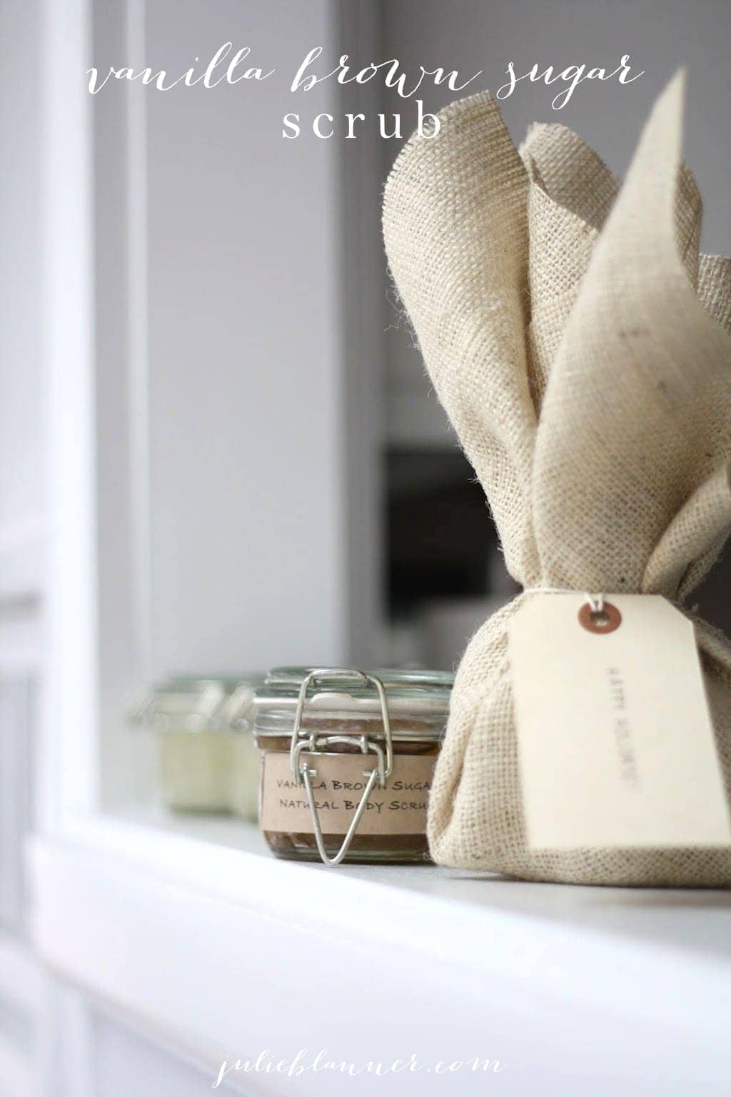 Easy homemade sugar scrub recipe - all natural Vanilla Brown Sugar Scrub with free printable labels. Great Christmas gift idea!