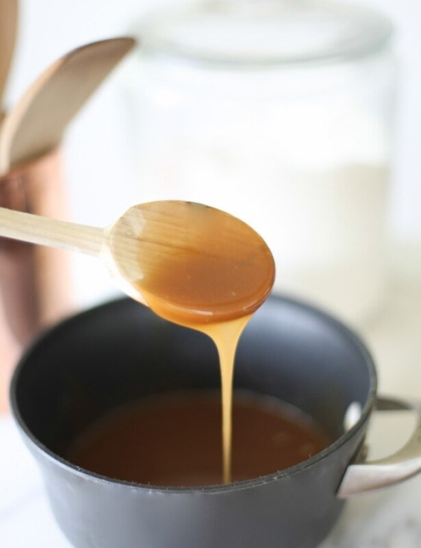 5 minute easy salted caramel sauce recipe - so smooth and incredibly delicious!