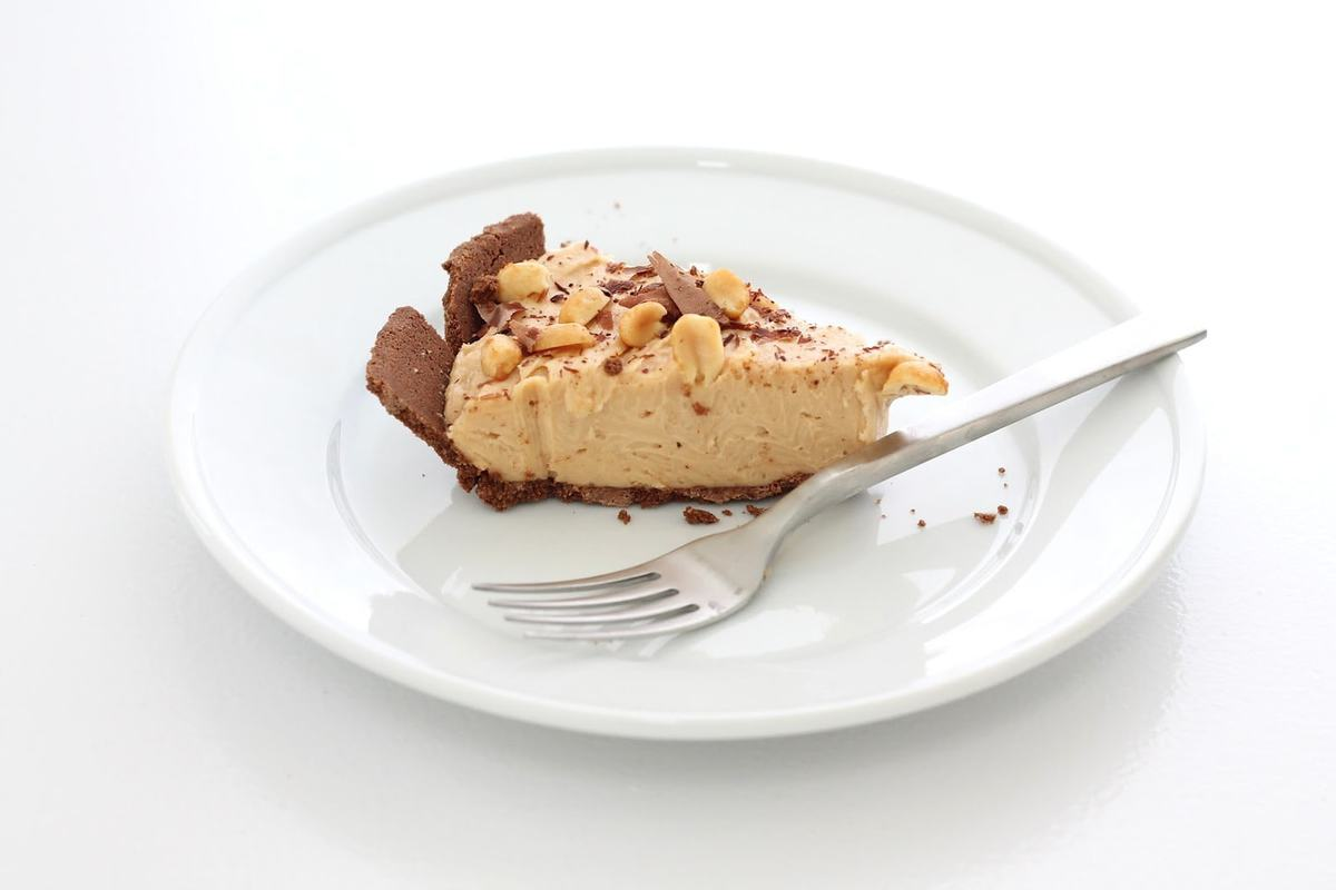 Amazing No Bake Peanut Butter Cheesecake Recipe - easy & delicious!