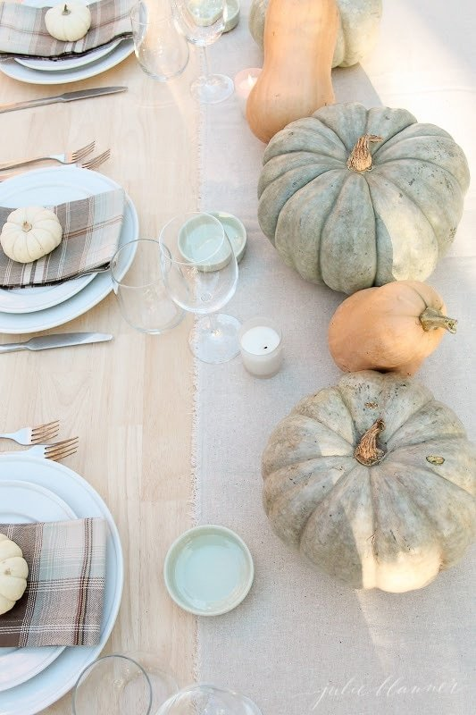 inexpensive 10 minute fall table setting with pumpkins