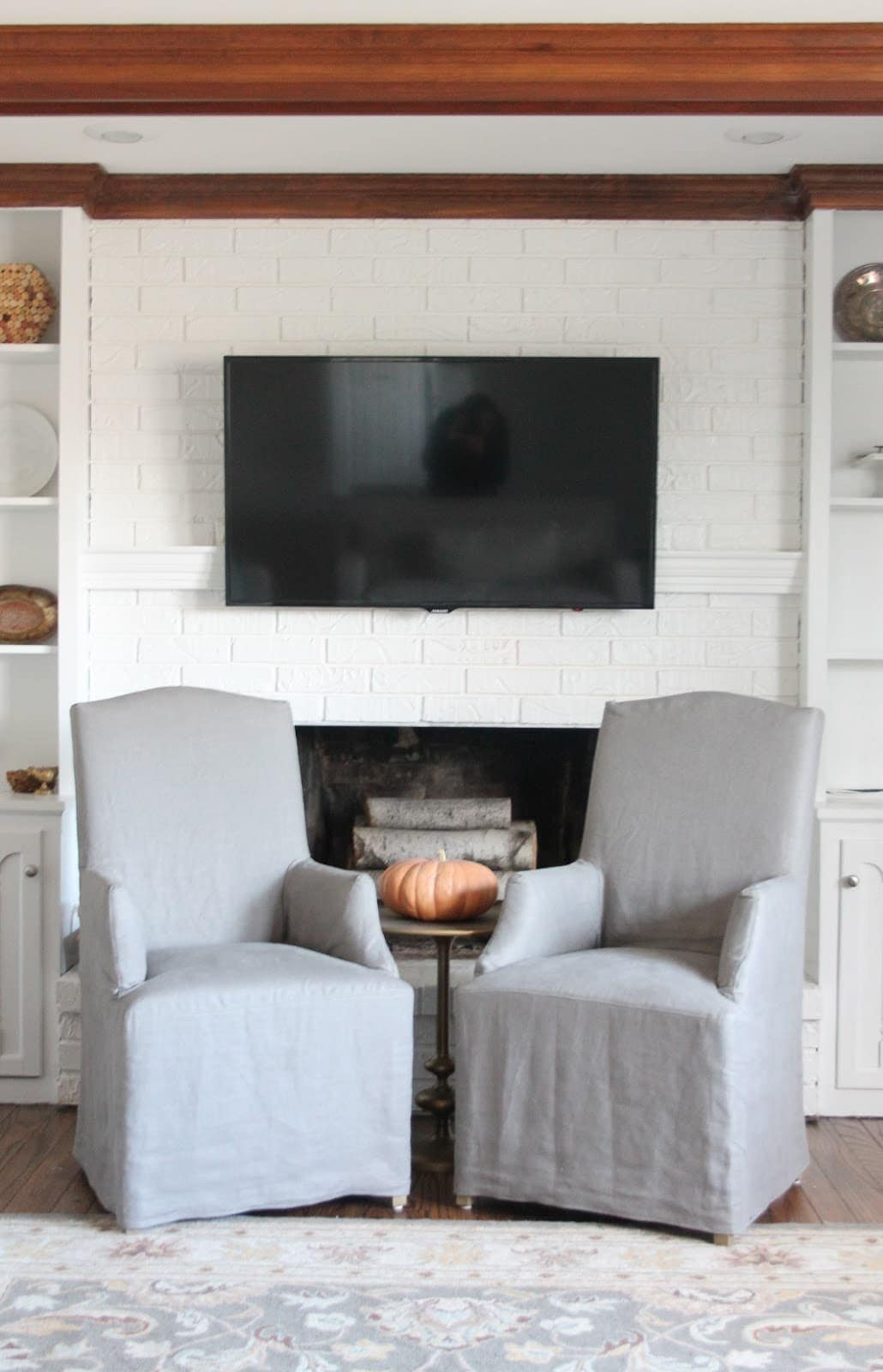 Hiding Cord On Wall Mount For Flat Screen Tv Diy Mantel Julie Wiring Easy Inexpensive To Conceal And Cable Cords Via Julieblanner