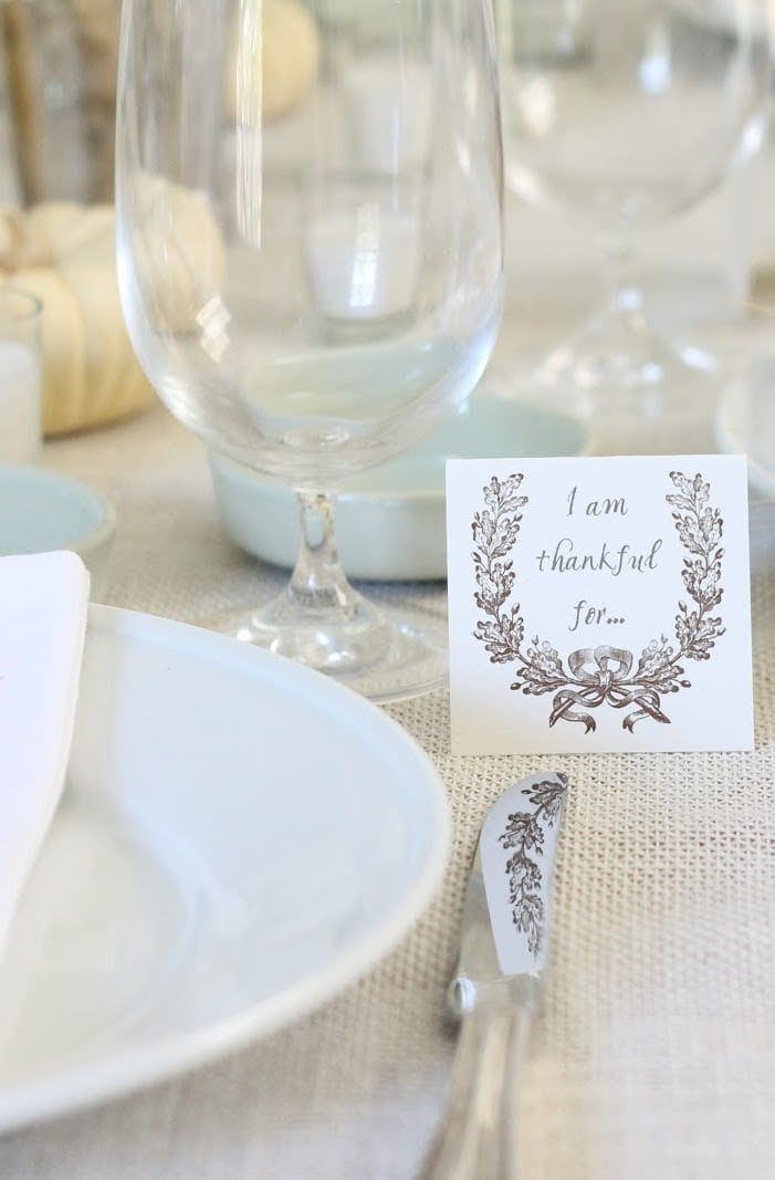 I'm thankful cards on beautiful Thanksgiving table