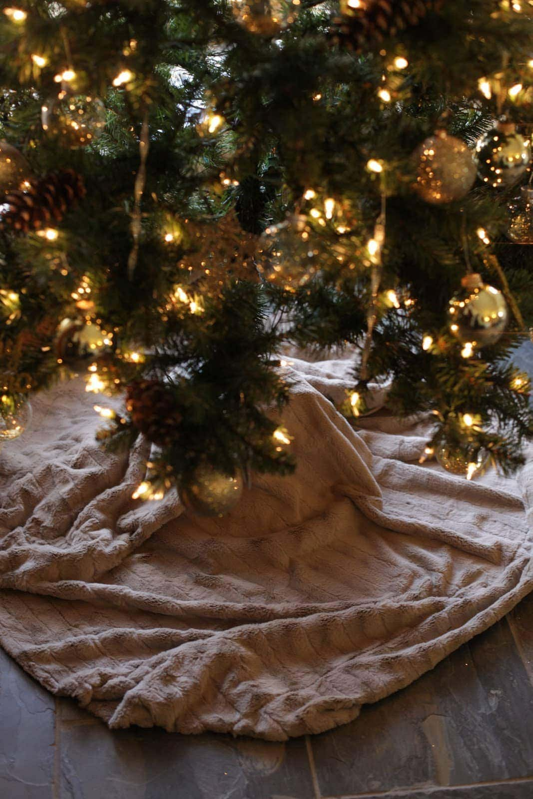 no sew christmas tree skirt in 5 minutes - Cheap Christmas Tree Skirts
