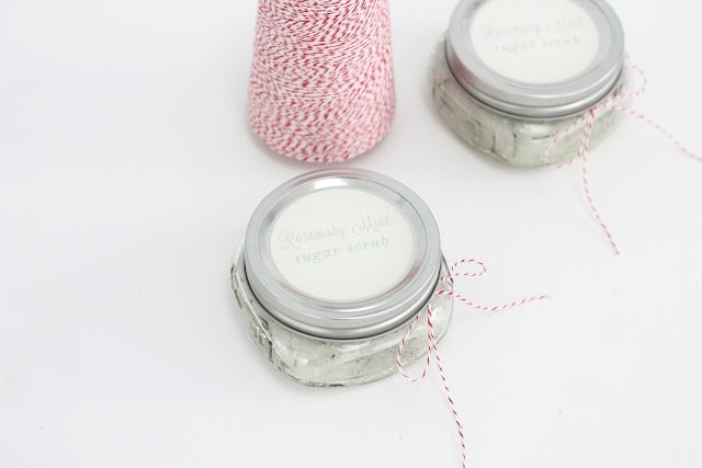 easy homemade sugar scrub recipe with free printable labels - great for gifting