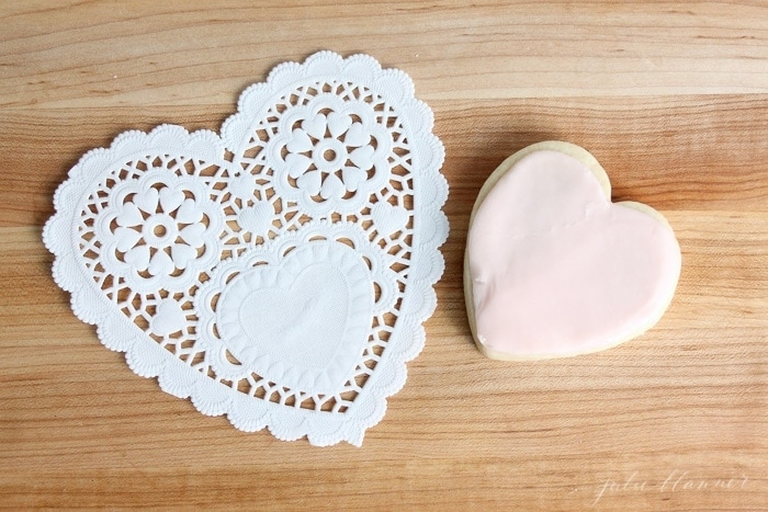 the easy way to ice sugar cookies