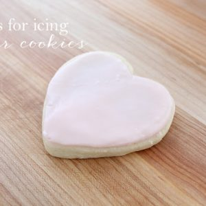 simple tips for icing sugar cookies with buttercream