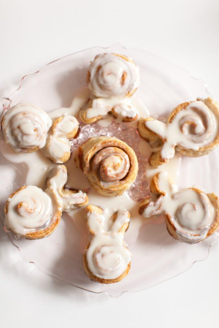 easter bunny cinnamon rolls