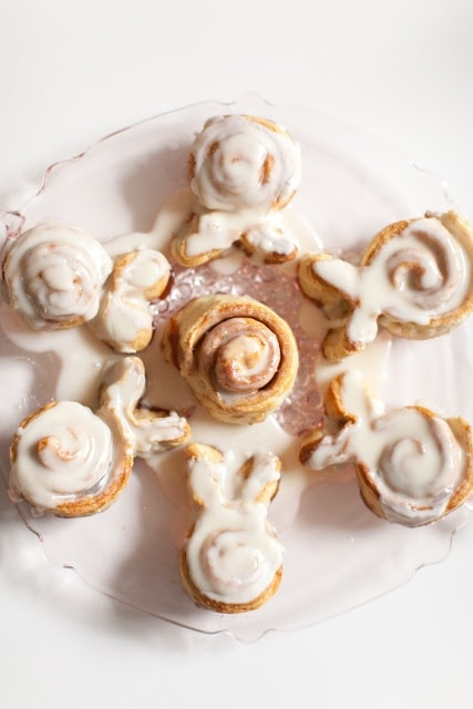 Cinnamon rolls in the shape of a snowflake.