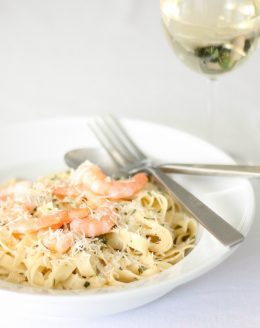 Easy white wine pasta sauce for pasta - perfect for adding chicken or seafood