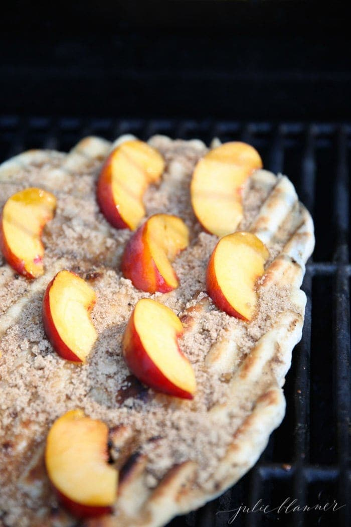 How to make dessert pizza on the grill in minutes - from grill, to table