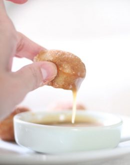 apple cinnamon donuts for brunch or dessert