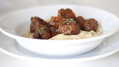 10 minute dinner - easy marsala meatballs on a bed of angel hair pasta