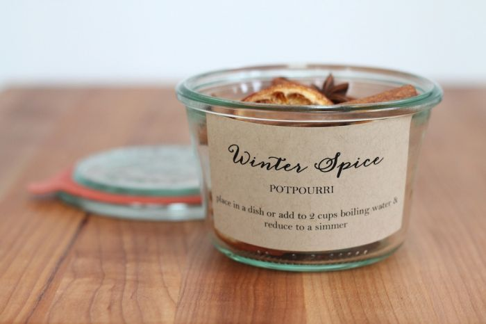 diy potpourri recipe in glass jar with label for holiday gifts
