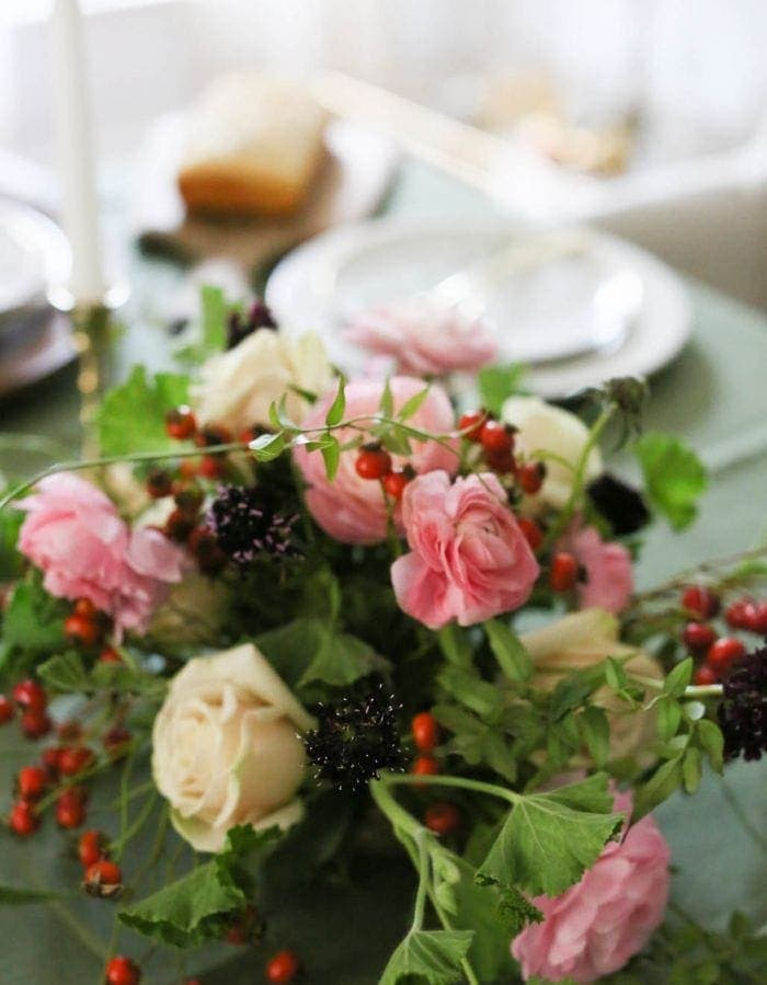 pretty pink & berry centerpiece