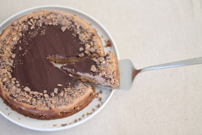 easy chocolate toffee cheesecake recipe