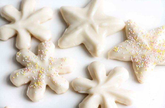 how to ice sugar cookies with delicious buttercream