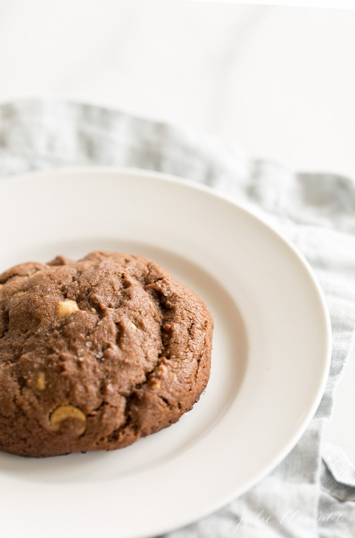 how to make bakery style chocolate cookies
