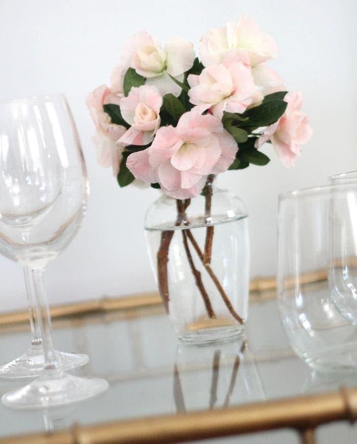 tips to arranging flowers - last minute via julieblanner.com