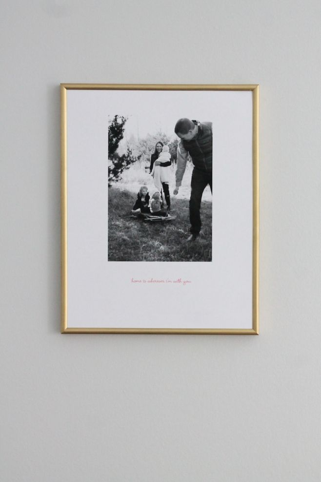 family photo idea - inexpensive & easy via julieblanner.com