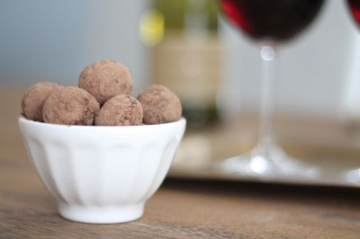 Easy Chocolate Truffles with Red Wine