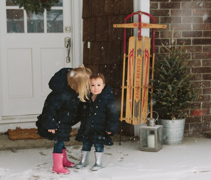 family photos in the snow | take advantage of a snowfall by capturing the winter white moments
