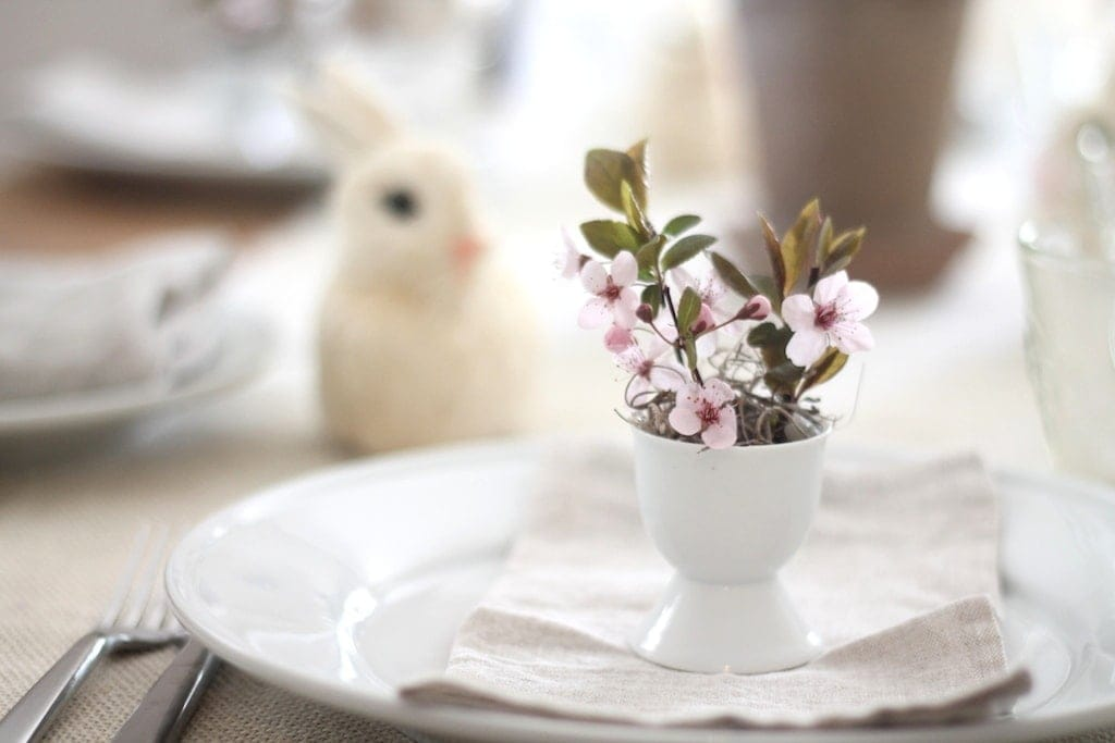 Easter brunch table setting & A Simple Easter Table Setting