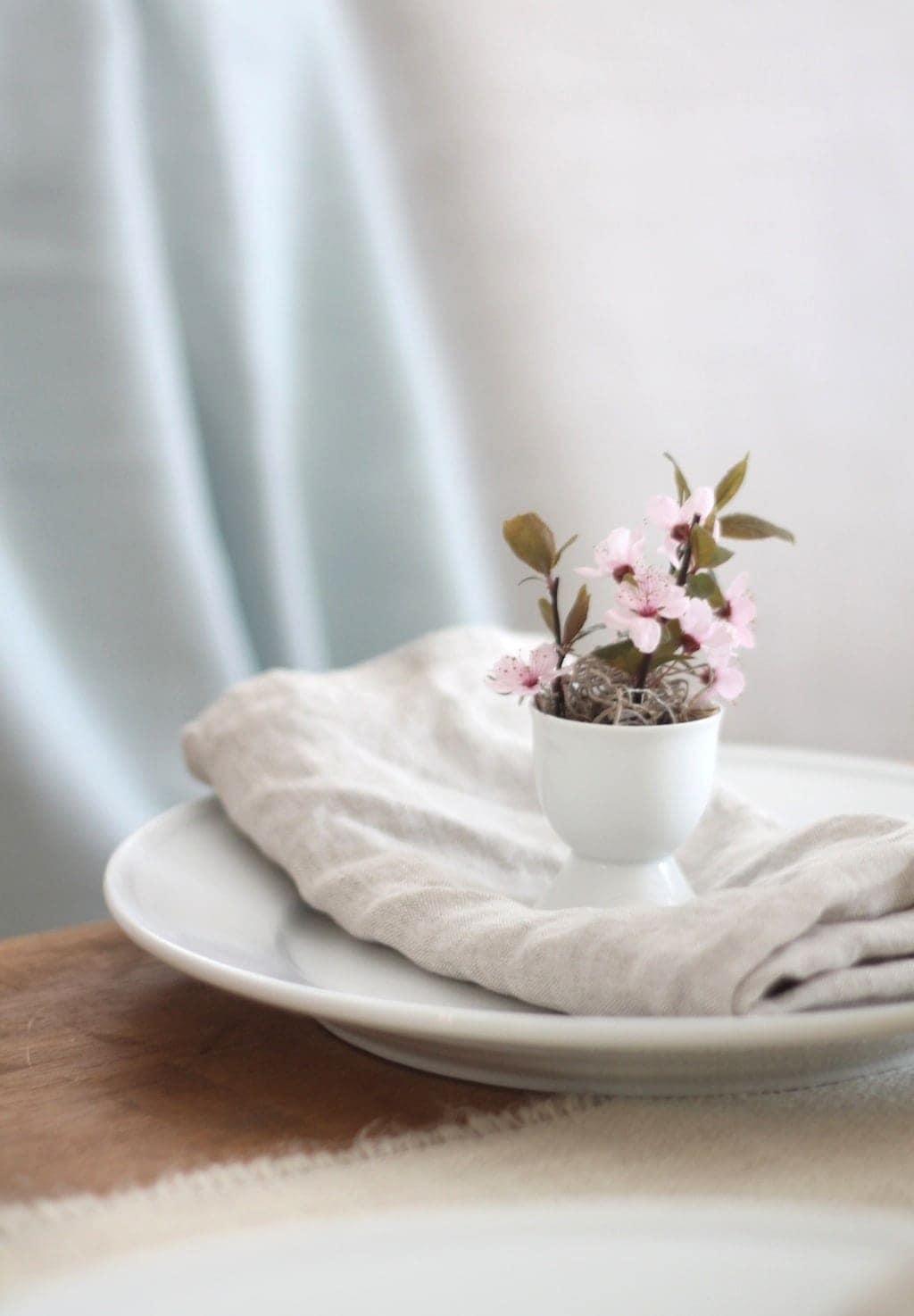 Easy DIY Easter flowers
