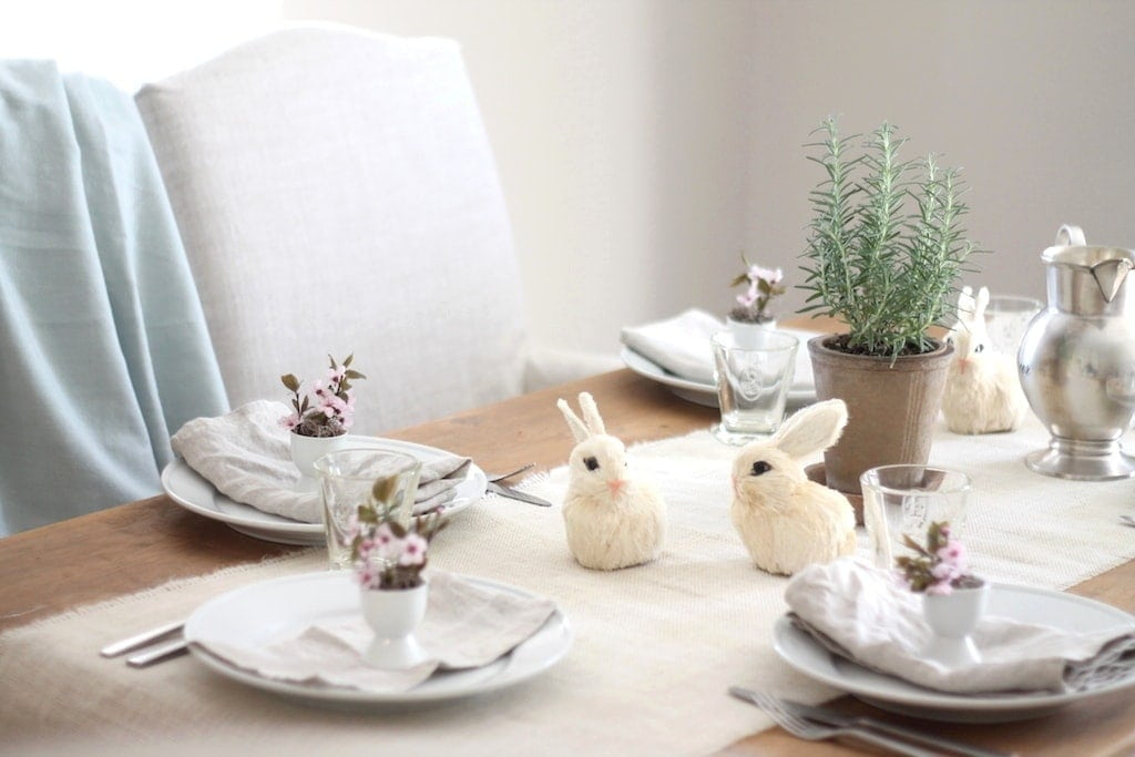 Easter entertaining - a beautiful last minute table setting