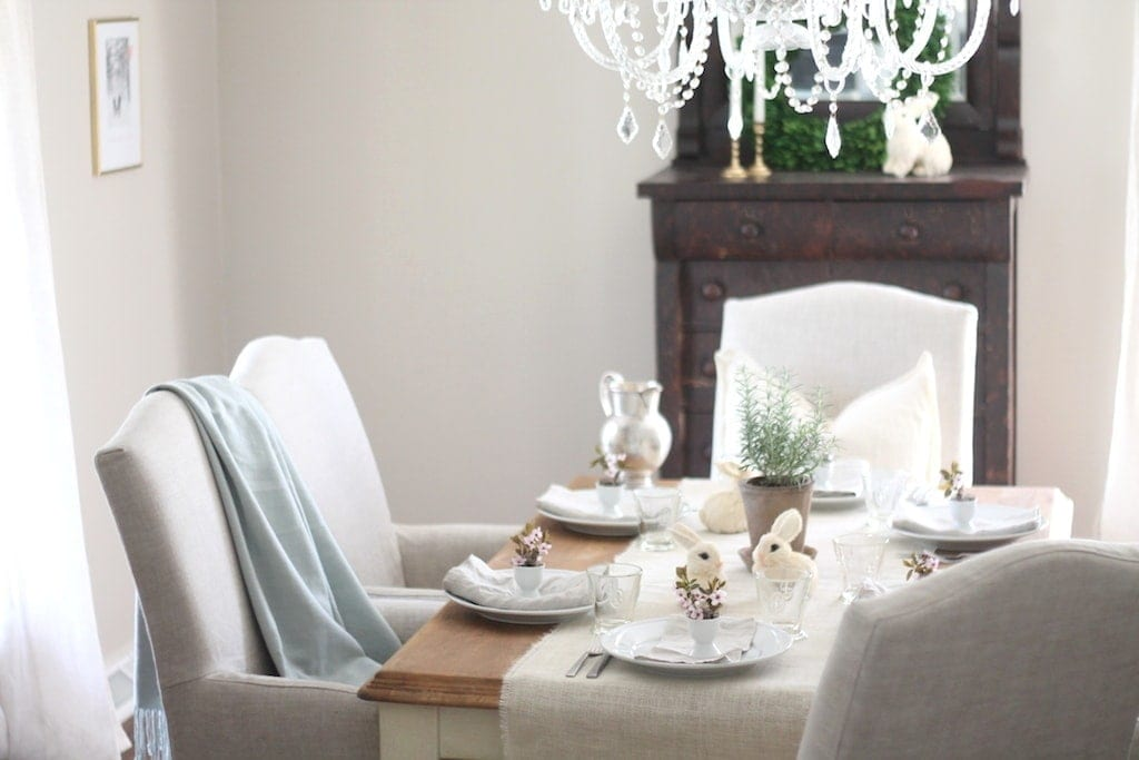 Casual Easter table setting - beautiful for brunch or dinner