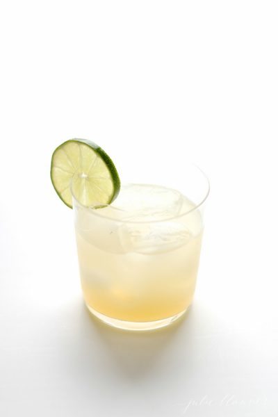 The best skinny margarita recipe - all the flavor, without all of the calories!