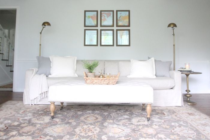 pretty neutral living room