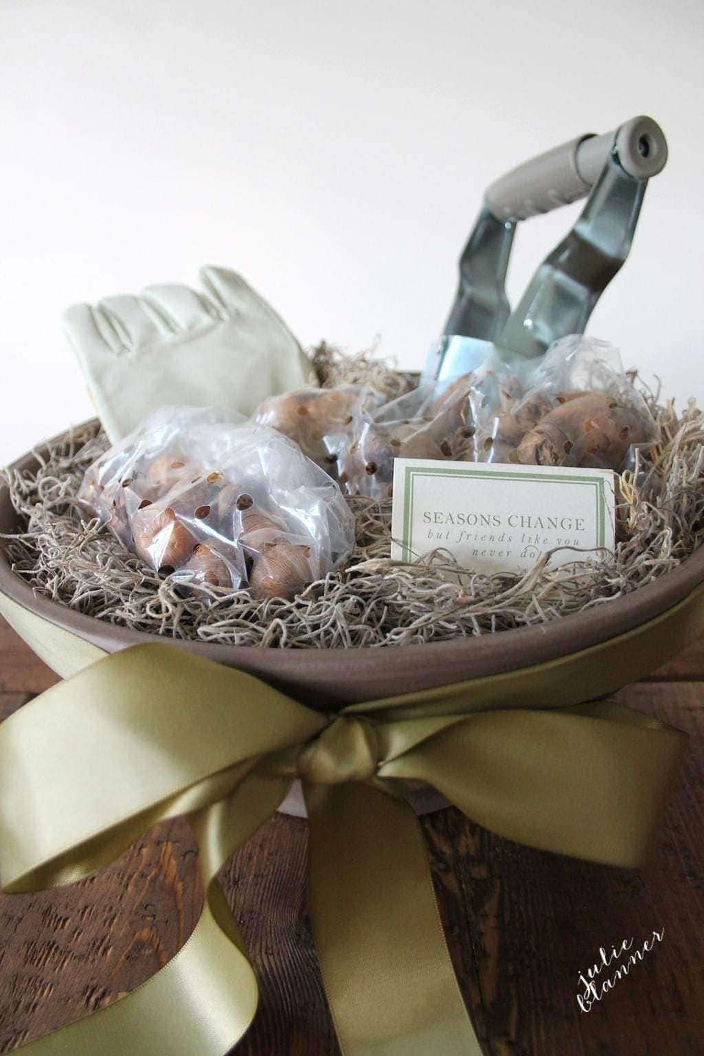 Gardening gift basket housewarming gift put a beautiful gardening gift basket together in minutes free printable gift card workwithnaturefo