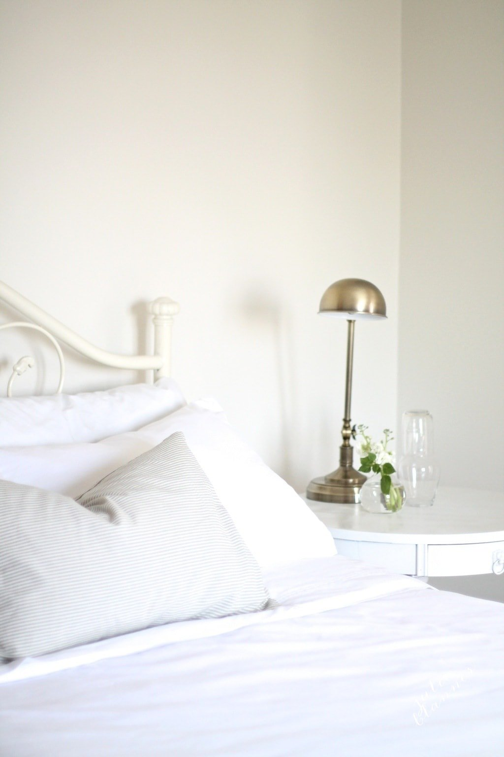 The makings of a guest bedroom | a neutral botanical guest bedroom