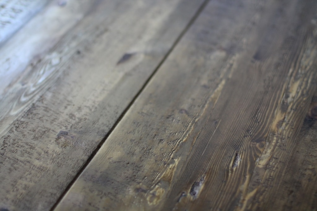 Should you purchase, build or find a harvest farm table? The details of my Restoration Hardware table.