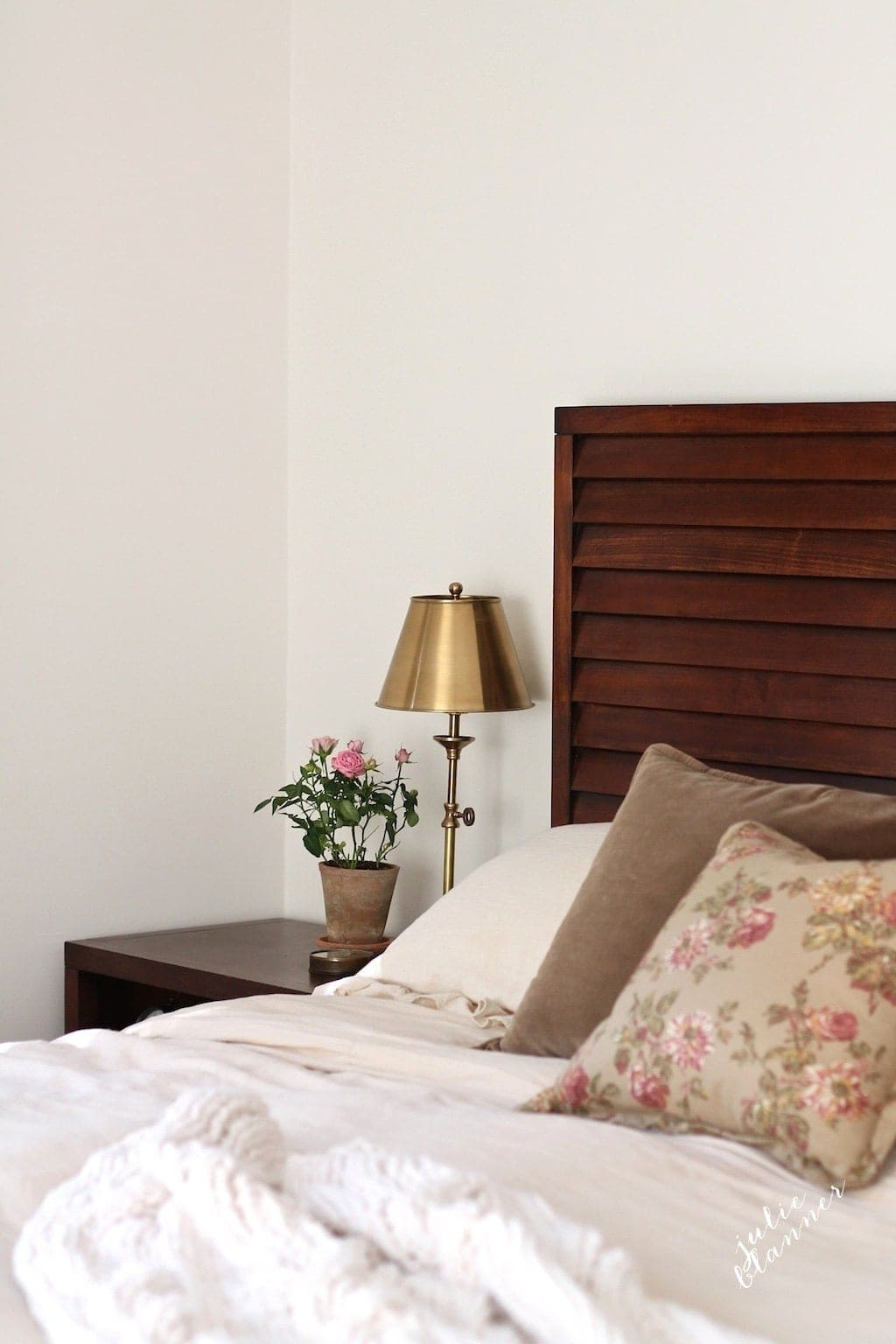 Tips for creating a romantic master bedroom