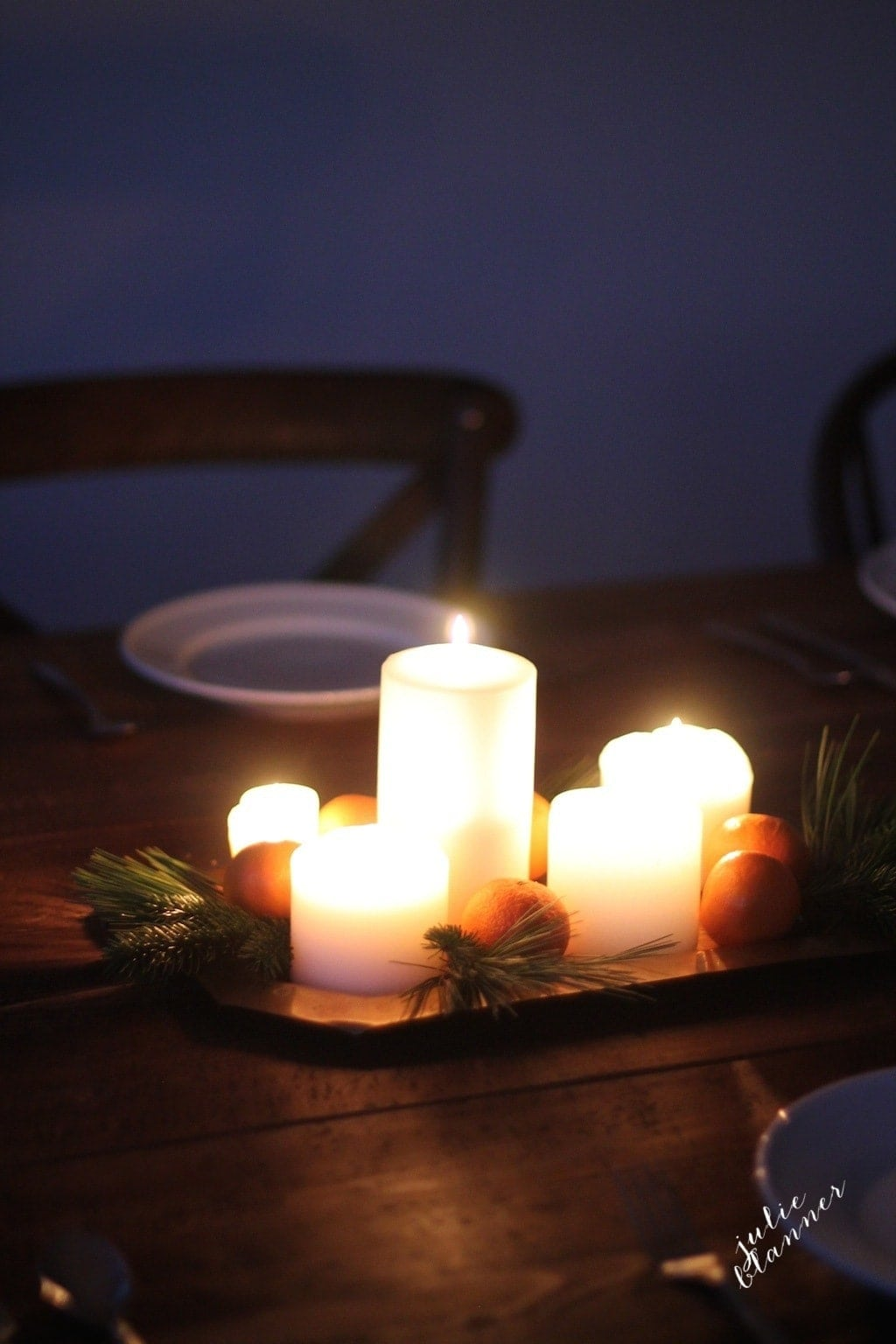 """Get the """"flower recipe"""" to create this gorgeous Christmas table setting"""