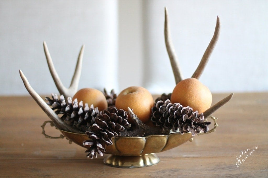 Cheap Thanksgiving centerpiece with items from your own home