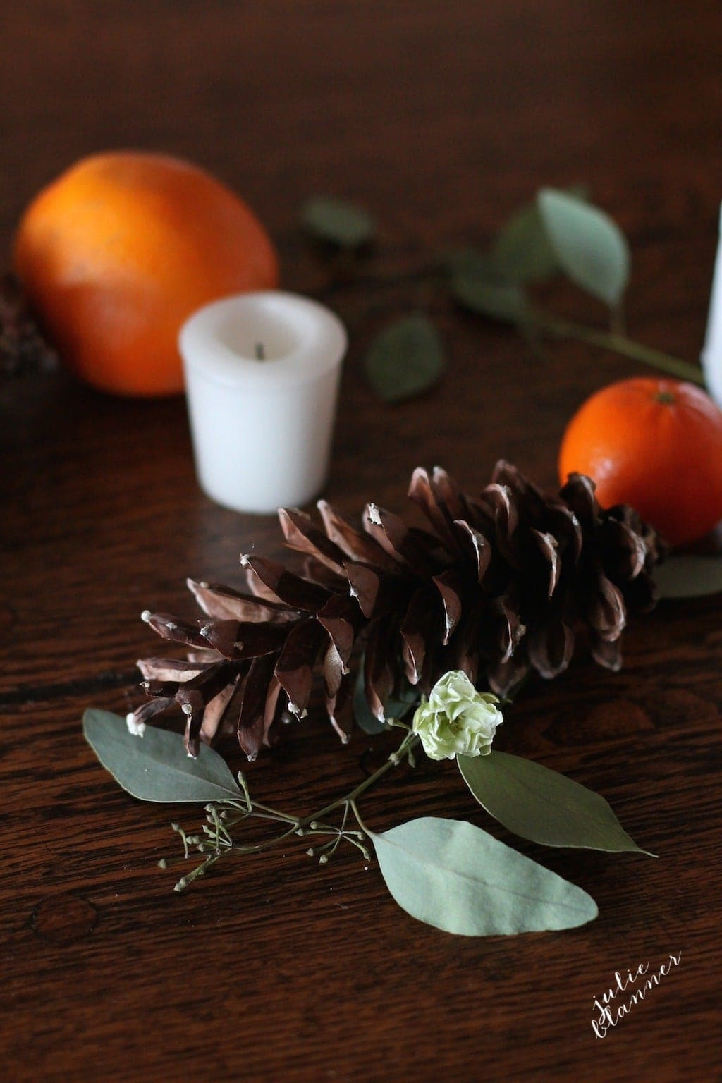 Gorgeous fall or winter table setting - beautiful rustic floral table runner