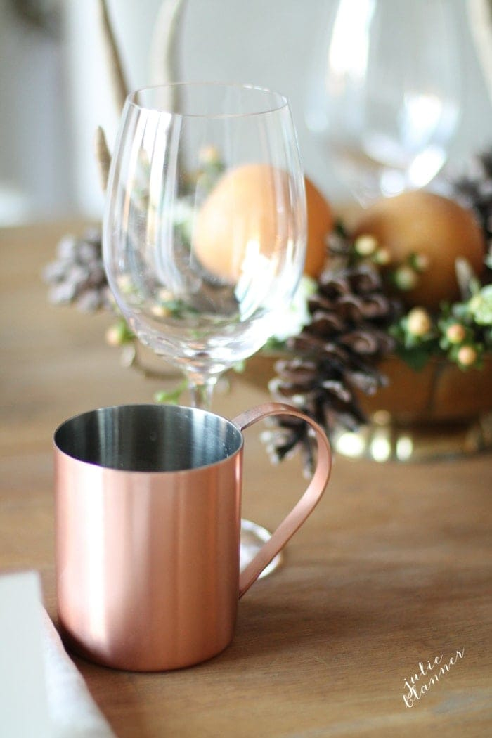 Thanksgiving entertaining | activities, tips and easy DIY centerpieces