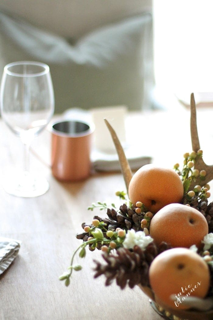 Thanksgiving entertaining | activities, tips and easy DIY centerpiecesThanksgiving entertaining | activities, tips and easy DIY centerpieces
