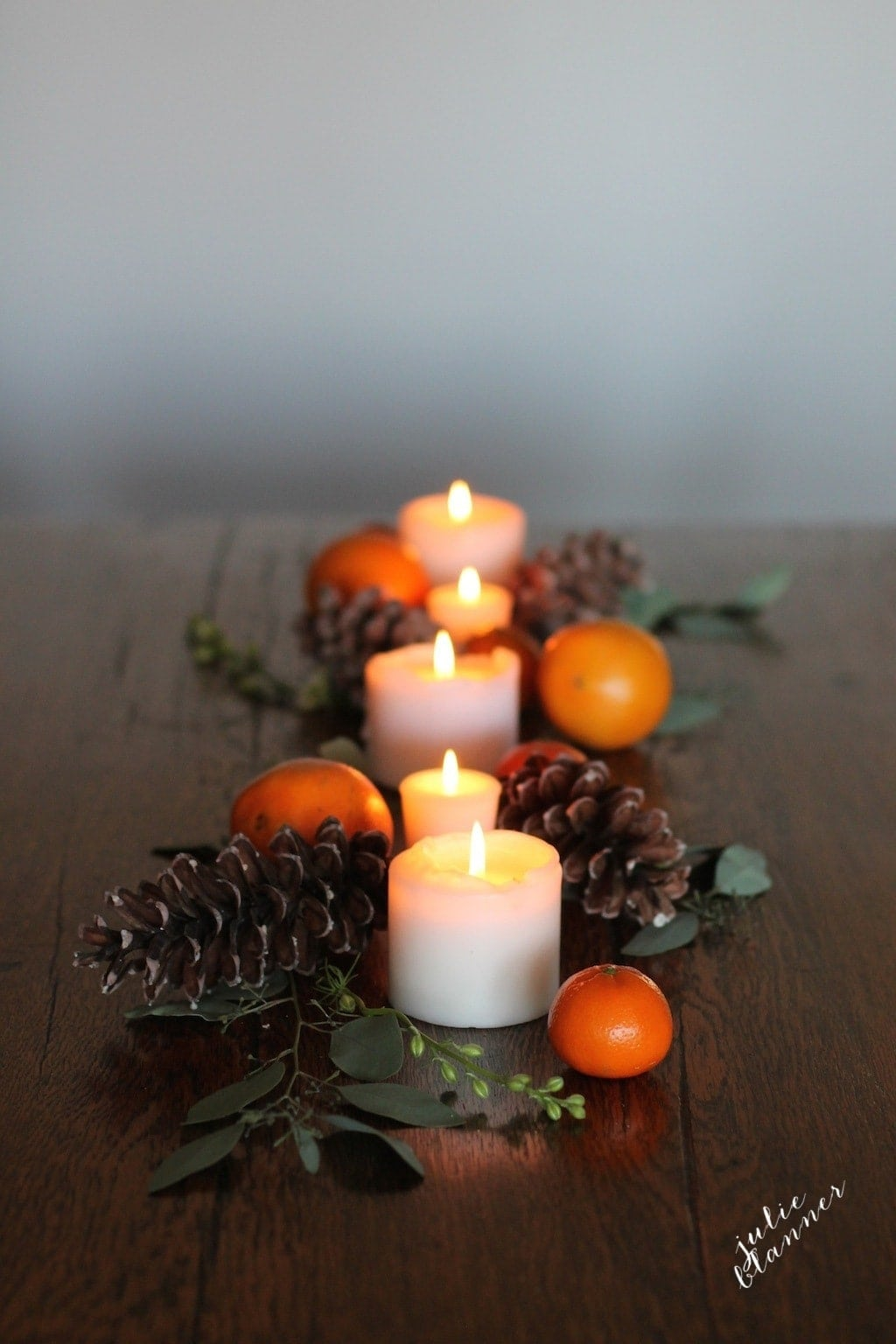 Moody, rustic & gorgeous Thanksgiving tablecape