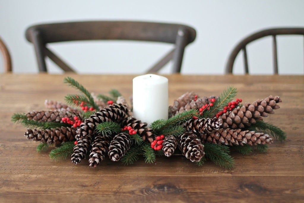 5 minute diy christmas centerpiece with pinecones berries get the simple recipe for this christmas centerpiece solutioingenieria Images
