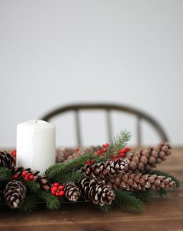 DIY Christmas centerpiece for less than $10 in just 5 minutes!