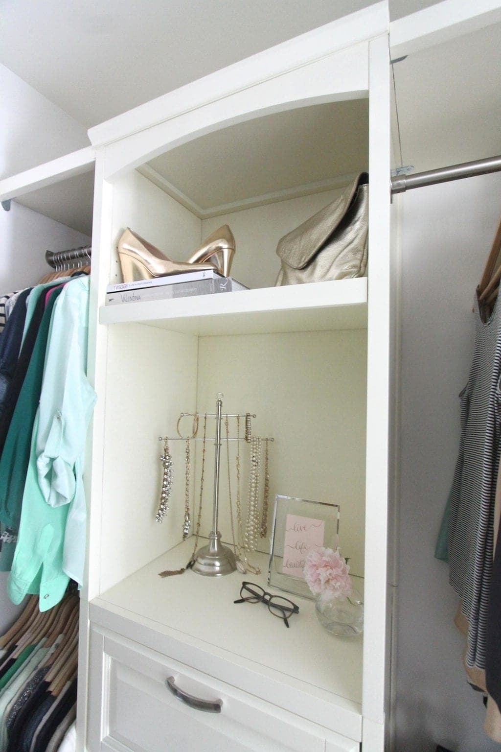 Tips to organize your bedroom closet for Organized walk in closet