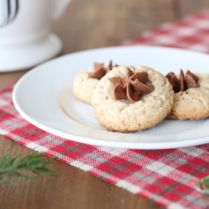 Melt in your mouth amazing pecan cookies with chocolate buttercream - get the recipe!