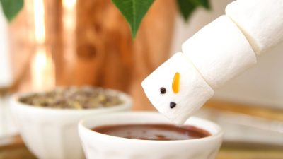 Easy chocolate fondue recipe - a fun & easy idea for kids