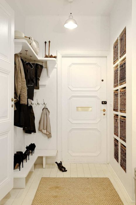 Mudroom organization ideas & tips