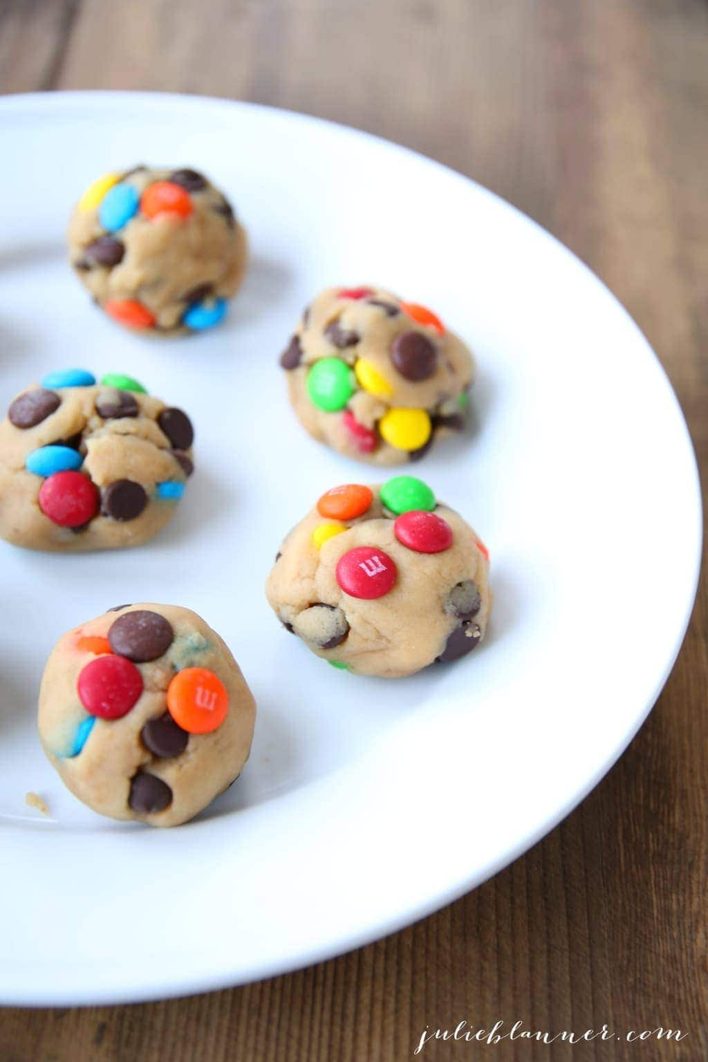 Tips to make bakery style M&M cookies